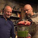 Андрей Кочергин готовит вкусный салат и питательный суп